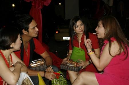 The 'Tsabakano' club. Joy Lim with John Estrada and Joy's friends.